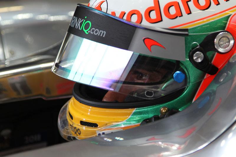 Hamilton foi o terceiro melhor no dia, a 0s577 do companheiro Button