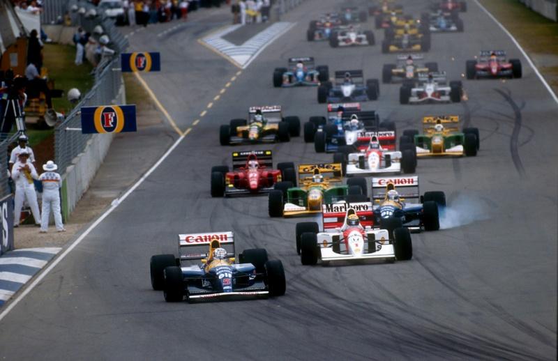 Mansell e Senna duelam na largada da edição de 1992