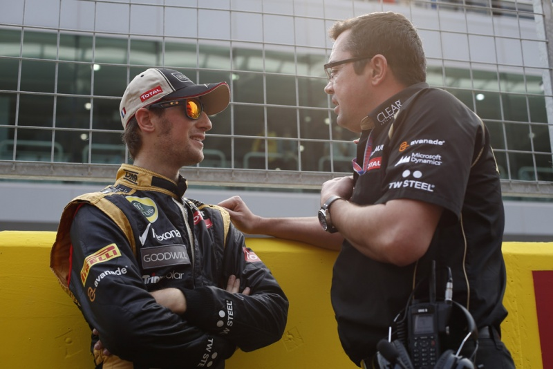 Boullier e Grosjean conversam no paddock