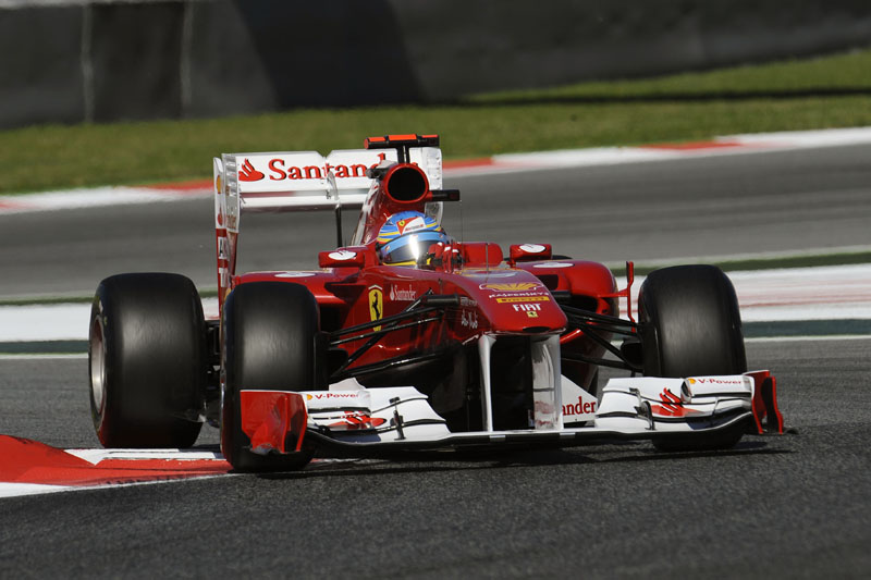 Correndo em casa, Alonso espera melhorar no fim de semana