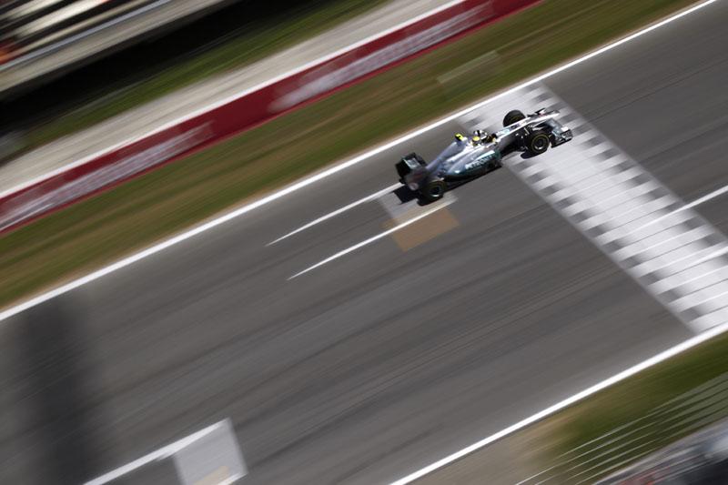 Rosberg gostou do desempenho da Mercedes nesta sexta