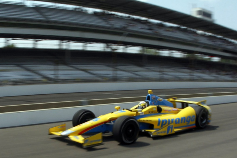 Bia Figueiredo correu pelo time na Indy 500 em 2012