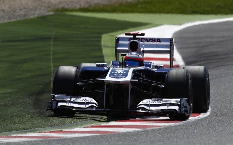 Barrichello em uma das chicanes de Barcelona