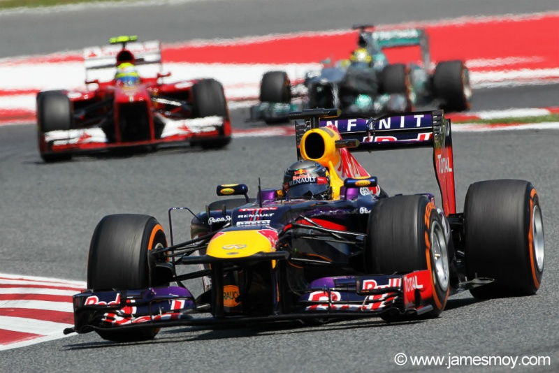 Sebastian Vettel  continuou líder do mundial