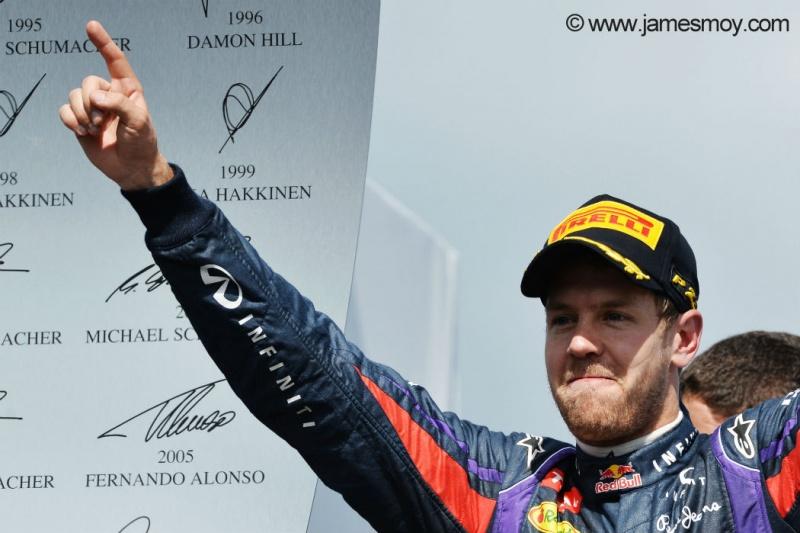 Vettel comemora vitória no Canadá