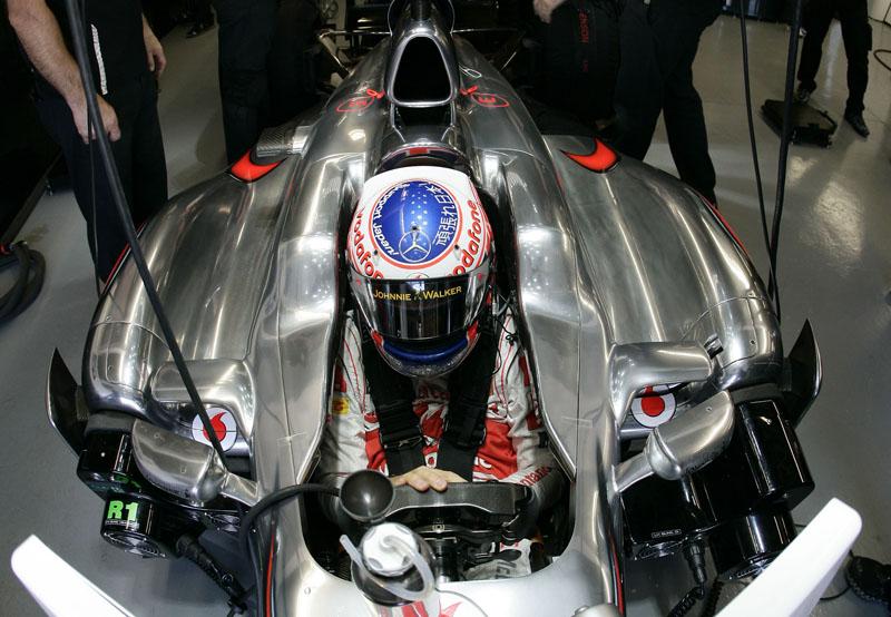 Button terminou o dia em quinto lugar