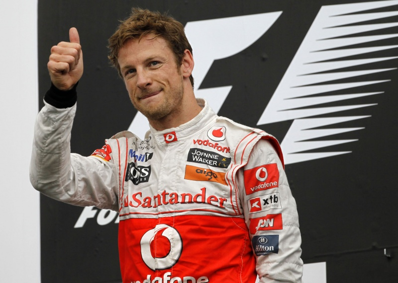 Piloto inglês vê bom ritmo de corrida da McLaren como chave na briga com Red Bull