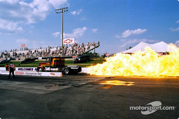 Bob Motz' jet powered 210mph+ Kenworth truck