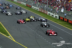 The start: Michael Schumacher already in front and tough battles behind