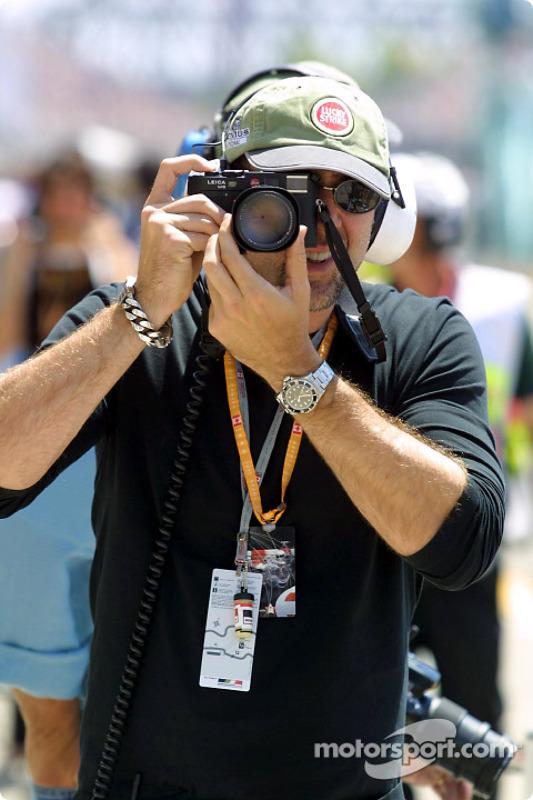 Nicolas Cage taking pictures