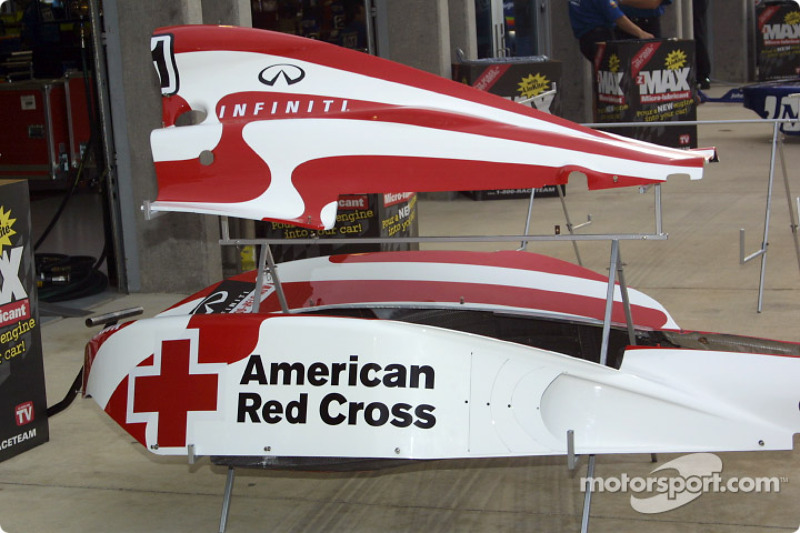 Cheever Indy Racing new paint scheme