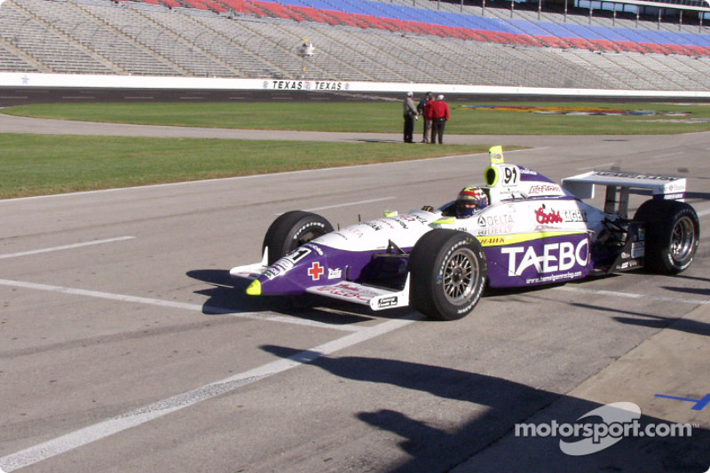 Buddy Lazier starts his practice