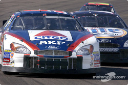Battle between Jeff Burton and Rusty Wallace