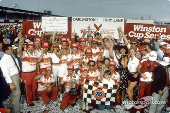 The Melling team in victory circle after the 1985 Southern 500 at Darlington; Elliott won three of NASCARs designated big four races to win the inaugural Winston Million