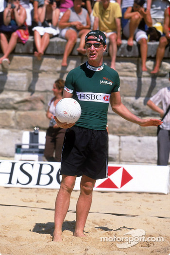 Beach Volleyball on Manly Beach in Sydney: Eddie Irvine
