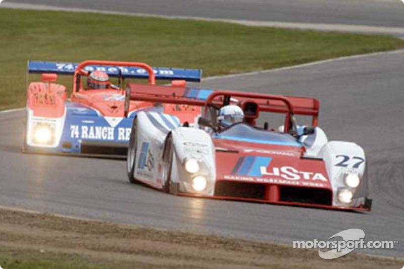 The Doran Lista Racing Ferrari leads the Robinson Racing Riley & Scott