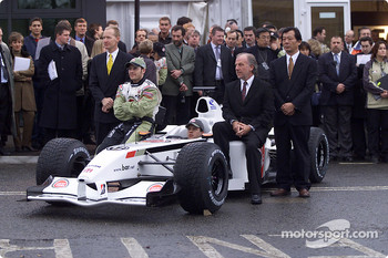 Malcolm Oastler, Jacques Villeneuve, Olivier Panis, David Richards, and Toru Ogawa