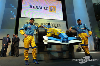 Jarno Trulli and Jenson Button with the new 2002 Mild Seven Renault F1 R202