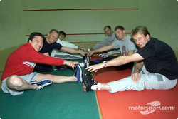 The day began early for the Audi works pilots during their fitness camp in St. Moritz: Christian Pescatori, Johnny Herbert, Rinaldo Capello, Emanuele Pirro, Tom Kristensen and Frank Biela