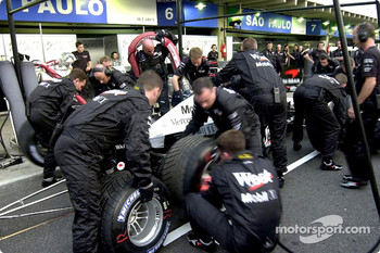 Pitstop practice at McLaren