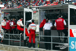 Team Toyota pitwall before the race