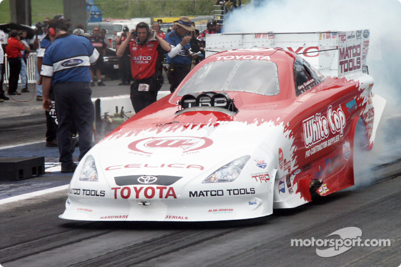 Gary Scelzi in the Toyota Funny car