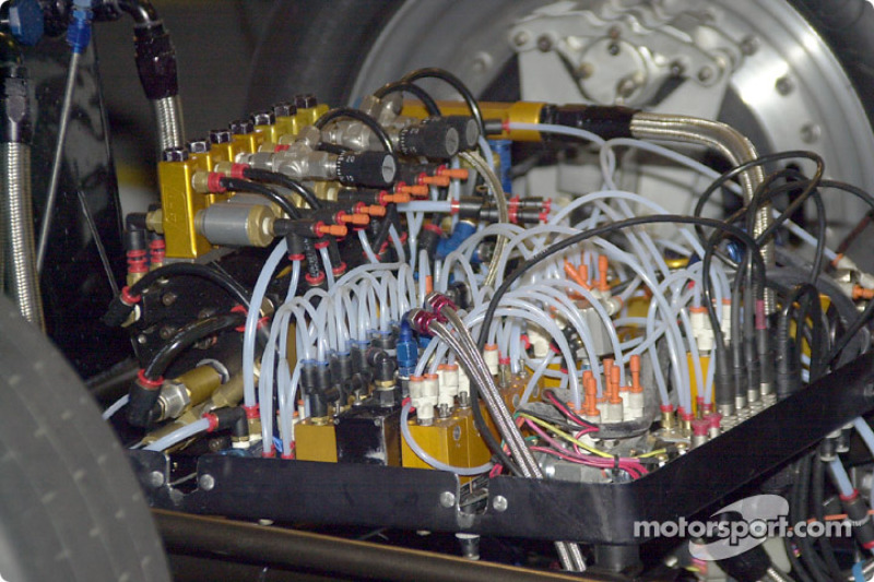 The pneumatic engine controls