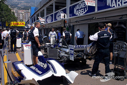 Williams-BMW pit area