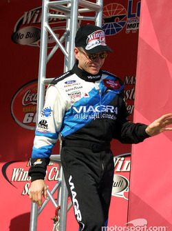 Mark Martin sees the checkered flag