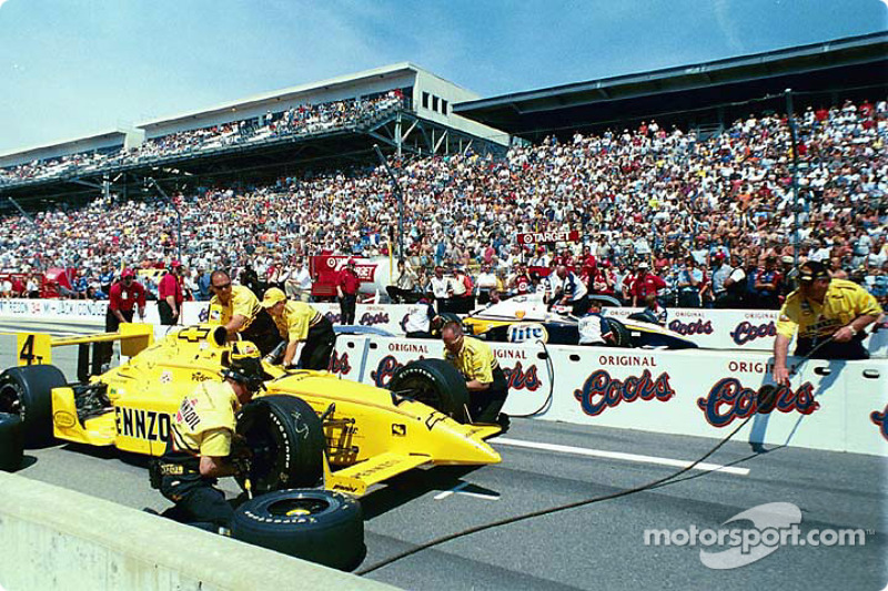 Pitstop competition: Sam Hornish Jr. and Jimmy Vasser
