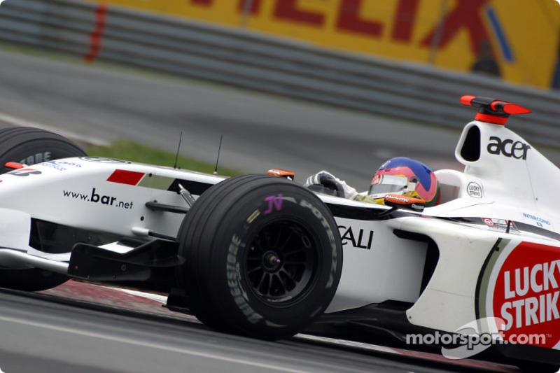 Cornering lesson with Jacques Villeneuve at Senna curve: part 3