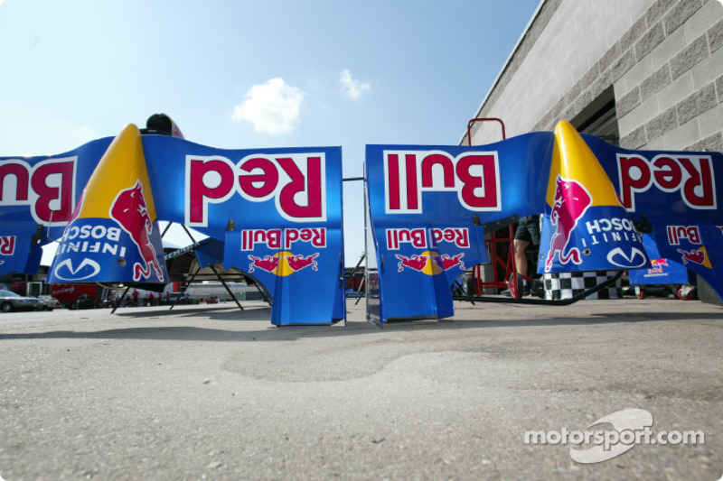 Cheever Indy Racing pit area