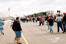 Michigan fans on pitlane