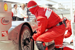 Pitstop for Audi Sport Team Joest