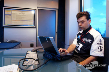 Team Williams-BMW Web chat with fans