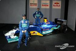 Nick Heidfeld and Heinz-Harald Frentzen with the new Sauber Petronas C22