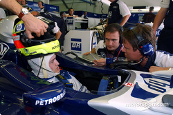 Ralf Schumacher, race engineer Gordon Day and Sam Michael