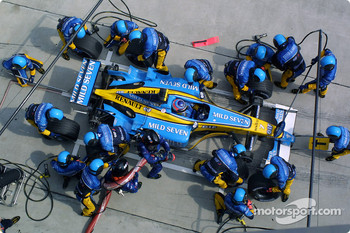 Pitstop for Jarno Trulli