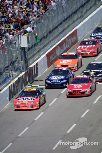 Restart: Jeff Gordon leads the field