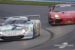 #6 G&W Motorsport - leads #33 Ferrari into turn 11
