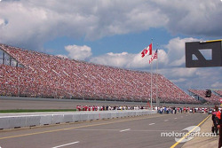 Sunday Winston Cup race: packed!