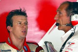 Olivier Panis and race engineer Humphrey Corbett
