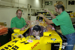 Jaroslav Janis has a seat fitting in the Jordan EJ13 in preperation for his up and coming test with the team in Jerez