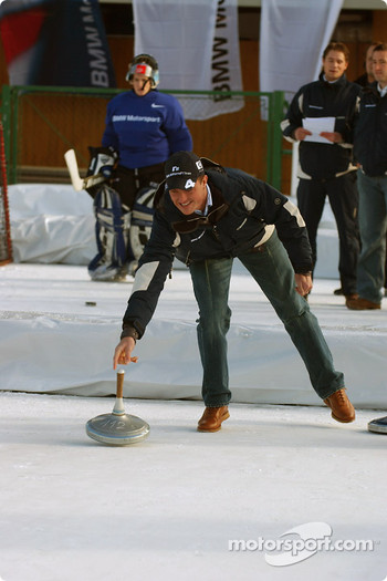 Ralf Schumacher tries curling
