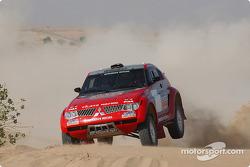 Stéphane Peterhansel and Jean-Paul Cottret test the Mitsubishi Pajero Evolution