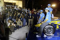 Mild Seven pit party at the Zouk Nightclub in Kuala Lumpur: Fernando Alonso, Franck Montagny and Jarno Trulli