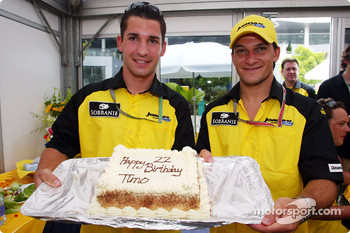 Timo Glock celebrates 22nd anniversary with Giorgio Pantano