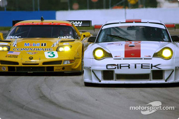 #3 Corvette Racing Chevrolet Corvette C5-R: Ron Fellows, Johnny O'Connell, Max Papis, and #32 Cirtek Motorsport Porsche 911 GT3RSR: Rob Wilson, Frank Mountain