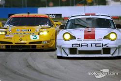 #3 Corvette Racing Chevrolet Corvette C5-R: Ron Fellows, Johnny O'Connell, Max Papis, and #32 Cirtek Motorsport Porsche 911 GT3RSR: Rob Wilson, Frank Mountain