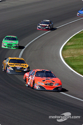 Robby Gordon leads Matt Kenseth
